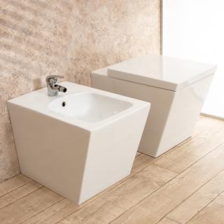 00000368  Sanitari Bagno Square Filo Parete in Ceramica WC e Tavoletta di Design